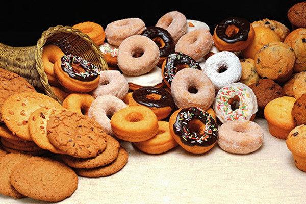 مضرات خوردن شیرینی زیاد