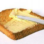 نان تُست آغشته به کَره نخورید میدانید چرا؟