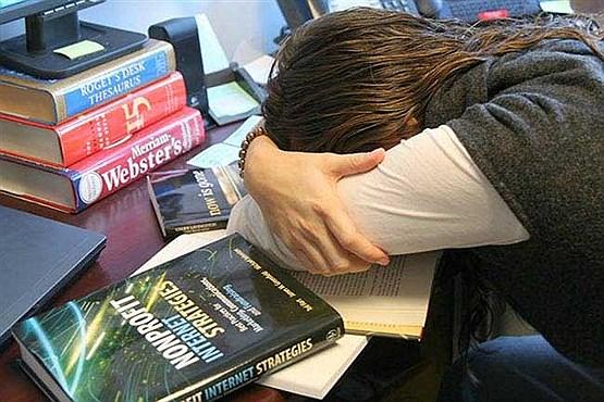 بیدار ماندن تا دیر وقت ممنوع | چرا افراد موفق شبها زود میخوابند؟