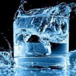 مضرات نوشیدن آب سرد برای بدنتان را میدانید؟