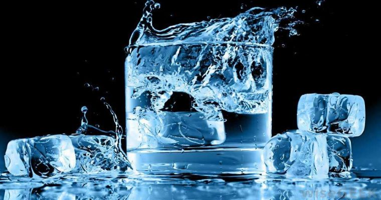 مضرات نوشیدن آب سرد
