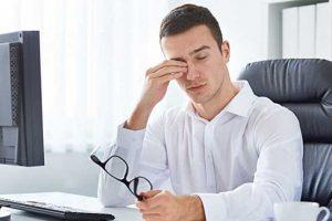 خطرات مالش چشم در هنگام خستگی را میدانید؟