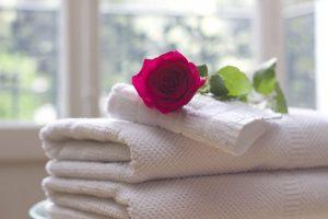 حوله حمام را هر چند وقت یکبار باید شست و آیا این کار ضرورت دارد؟