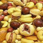 عوارض خوردن زیاد شکلات و تنقلات در عید