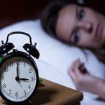 بیدار شدن از خواب در میانههای شب به این دلایل است