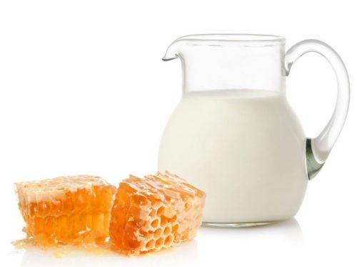 عسل و شیر داغ