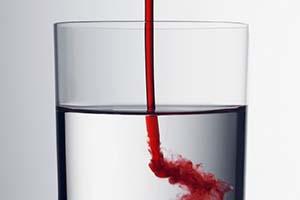 مشاهده خون در ادرار زنگ خطر است