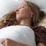 ۱۷ روش اثبات شده برای داشتن خواب خوب و راحت شبانه