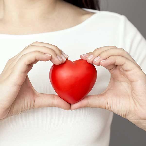 در دهه های مختلف زندگی چطور از ابتلا به بیماری قلبی پیشگیری کنیم