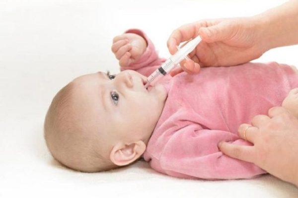 مصرف قطره آهن برای نوزاد