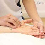 ماساژ کف دست و بهترین روش ها برای آرامش دست ها