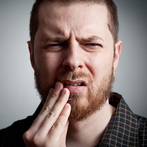 ۸ علامت وجود حفره و خرابی دندان که نباید نادیده گرفته شود