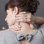 درد پشت سر نشانه چیست و چگونه درمان می شود