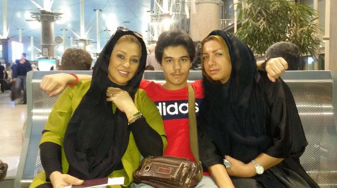 نسرین مقانلو با خواهر و پسرش در فرودگاه + عکس