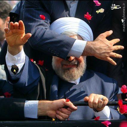 حرکت جالب محافظ رئیس جمهور + عکس