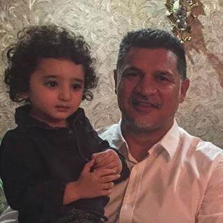 پسر شیلا خداداد در آغوش معروفترین ورزشکار ایران + عکس