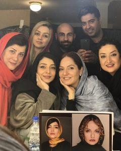 ساره بیات در کنار دوستان