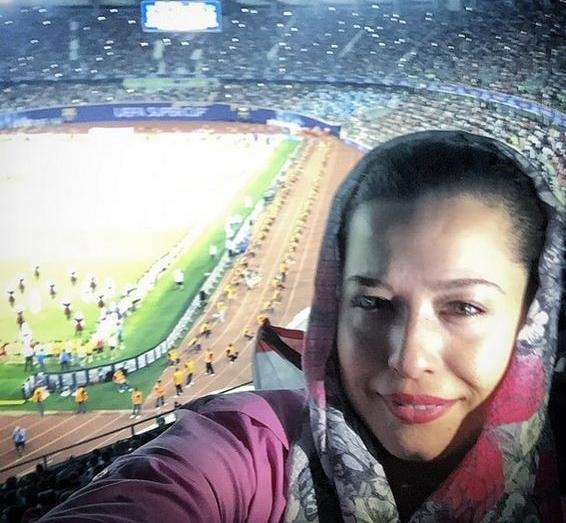 اولین حضور مهراوه شریفی نیا در یک ورزشگاه+عکس