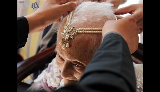 عکسهای دیدنی از عروسی پیرزن ۱۰۱ ساله ..