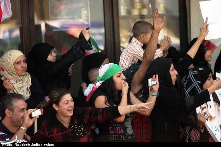 عکس : استقبال کنندگان واقعا متفاوت احمدی نژاد
