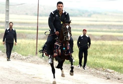 عکس :علی دایی سوار بر اسب