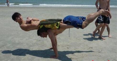 عکس:به این می گن قدرت بدنی