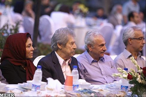 عکس:بازیگران مهمان سفره افطار وزیر ارشاد مطلب