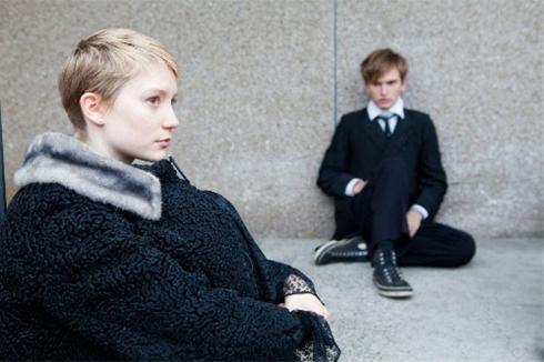 عکس:دختر و پسری که شیفته مرگ هستند مطلب