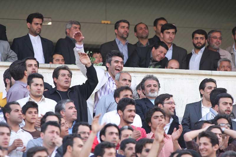 عکس: عابدزاه در بین تماشاگران فوتبال