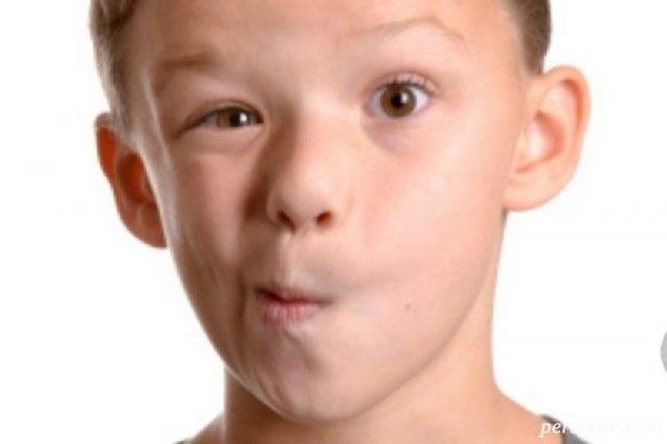 پلک زدن شایعترین اختلال حرکتی کودکان است