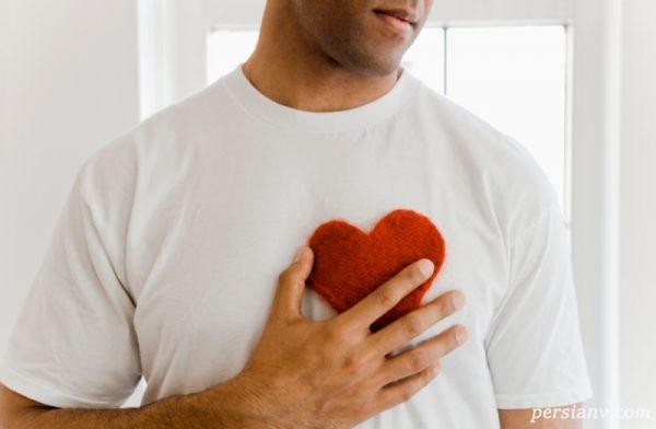 چگونه از احساسات واقعی یک مرد سر دربیاوریم؟ ( علائم عاشق شدن مردها )