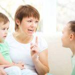 در تربیت فرزندان نقش پدر مهم تر است یا مادر؟