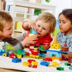 معایب و مزایای مهدکودک رفتن کودکان