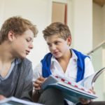 با نوجوانان دردسر ساز چگونه ارتباط برقرار کنیم؟