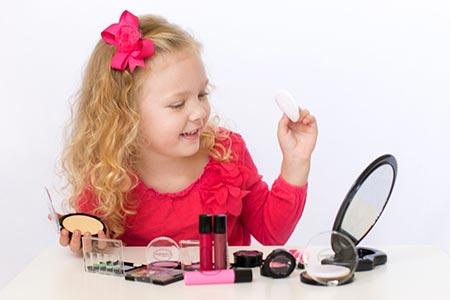 استفاده لوازم آرایش کودکان