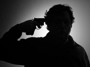 آشنایی با نشانههای هشداردهنده خودکشی
