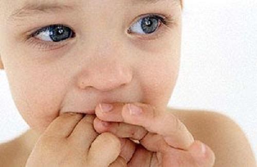 علل مکیدن انگشت در کودکان