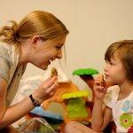 توجه بیشتر به کودکان در خانوادههایی که پرتنش هستند