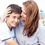 کنترل احساسات را چگونه به کودکانمان بیاموزیم