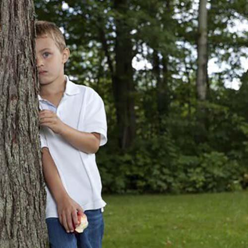 به کودکان بیاموزید اگر گم شدند این کارها را انجام دهند