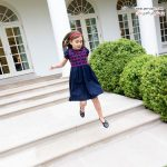 دختر ایوانکا ترامپ در حین بازی روی پله های کاخ سفید +عکس