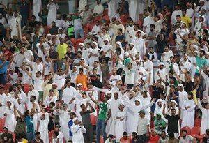 شعارهای تکراری و ضد ایرانی لیدر الاهلی در ورزشگاه