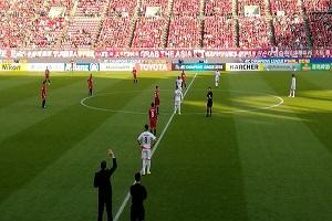 حرکت عجیب هواداران تراکتور در تشویق کاشیما، سوژه ژاپنی ها شد!!