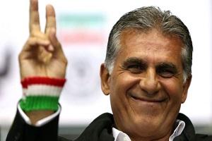 عکسی از کارلوس کیروش و پدرش با لباس تیم ملی ایران!!