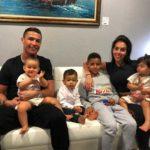 کریس رونالدو و بچه هایش از آبتنی دسته جمعی در جکوزی تا تمرین ورزشی