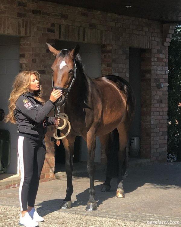 تونی تری به همراه اسب محبوبش