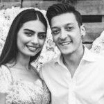 مسوت اوزیل و همسرش امینه گولشه در ترکیه