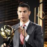 کریس رونالدو در امارات با توپ طلای بهترین بازیکن قرن گلوب ساکر