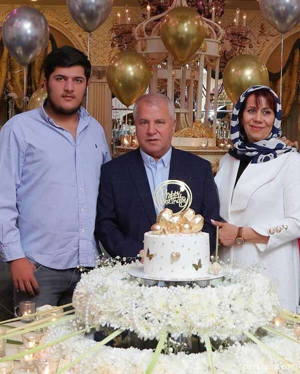 تولد همسر علی پروین و جشن خاص سلطان برای همسرش را ببینید