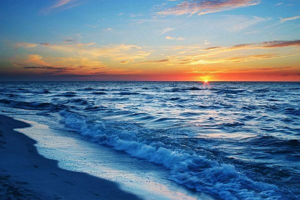تعبیر خواب دریا , دیدن دریا در خواب چه تعبیری دارد؟